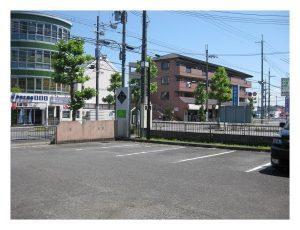 滋賀県大津市堅田の美容室エイトボウル駐車場