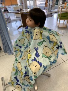 おおきなくまのいるお店 一人で座れるお子様 補助椅子